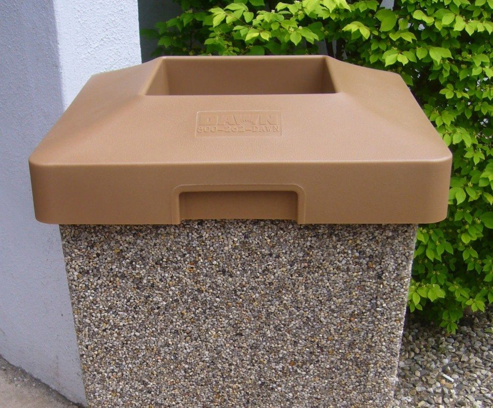 Square Plastic Flat Top For 35 Gallon Receptacle 1